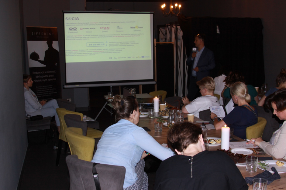 Social Innovation Academy meets in the dark in Warsaw to experience and discuss social innovation in Poland